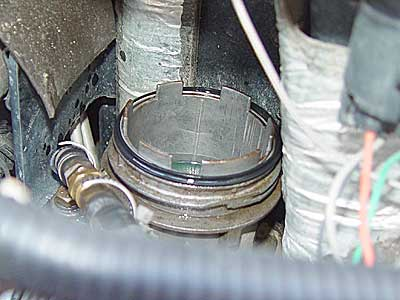 notice the slots in the fuel bowl and the o-ring seal